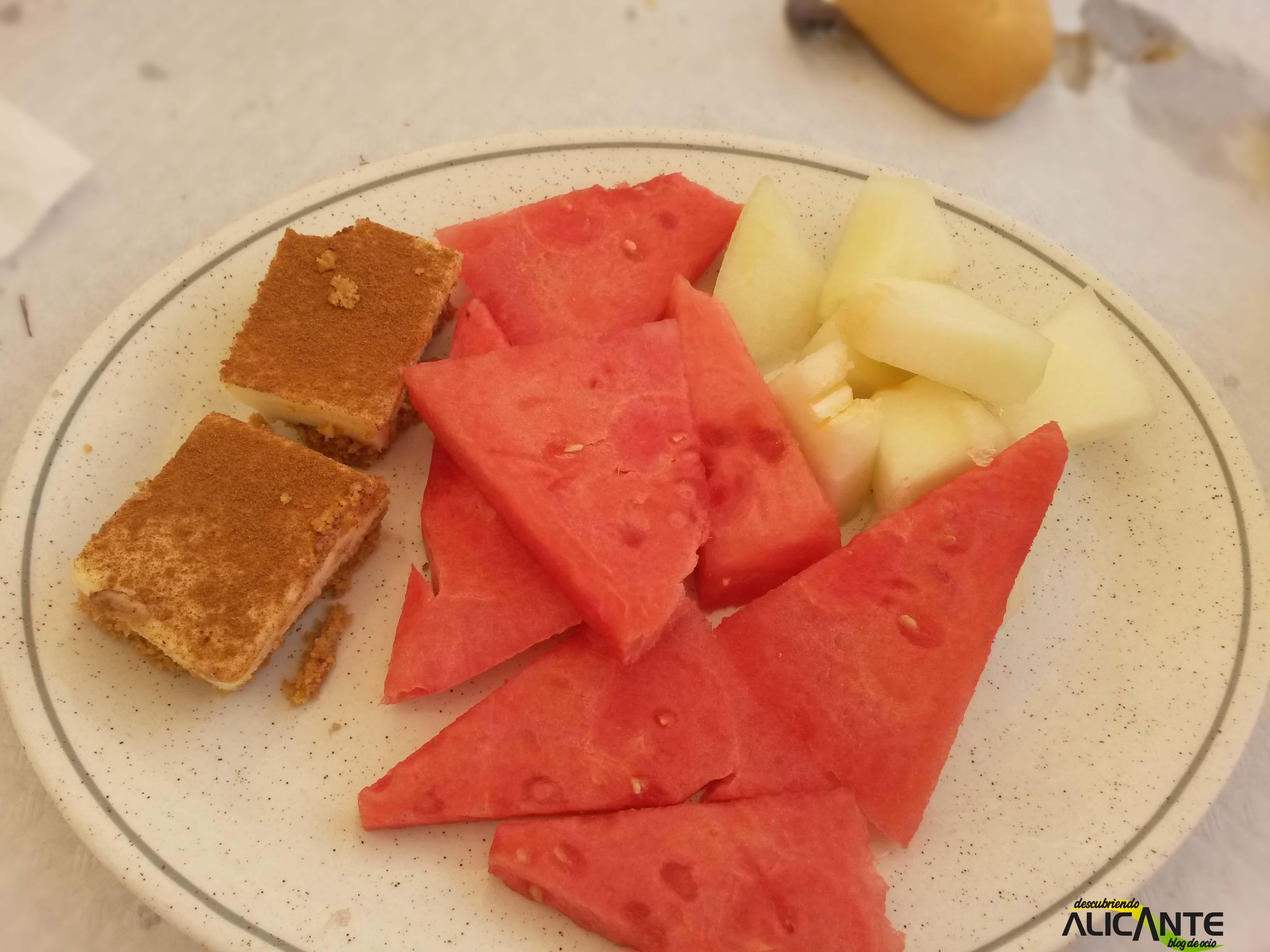 comer-en-tabarca-postre-fruta