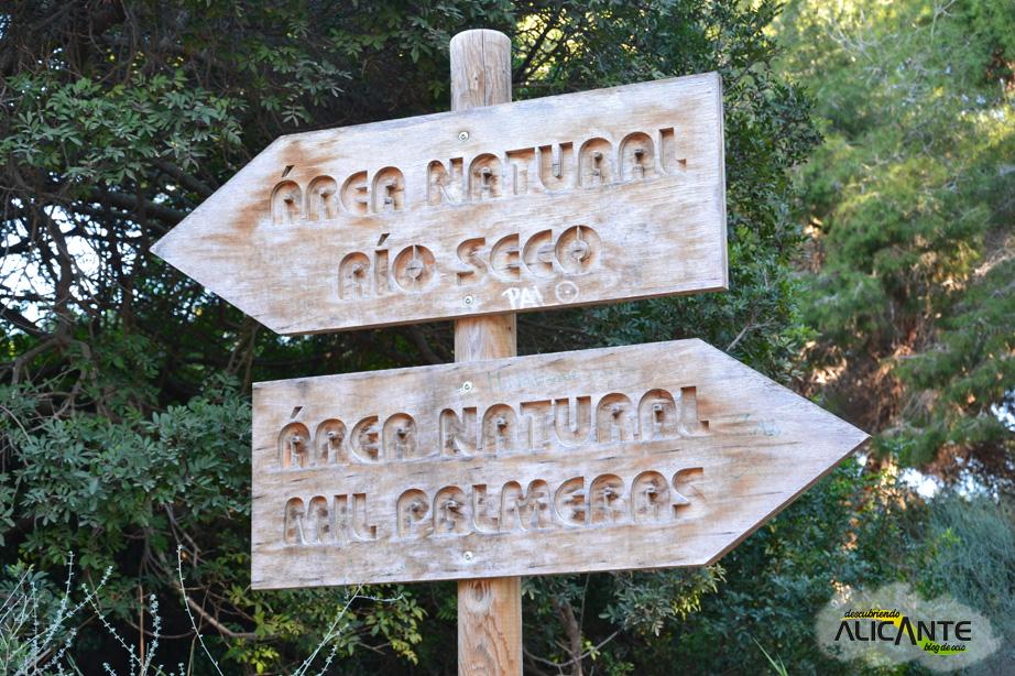 cartel-area-descanso-ruta-rio-seco