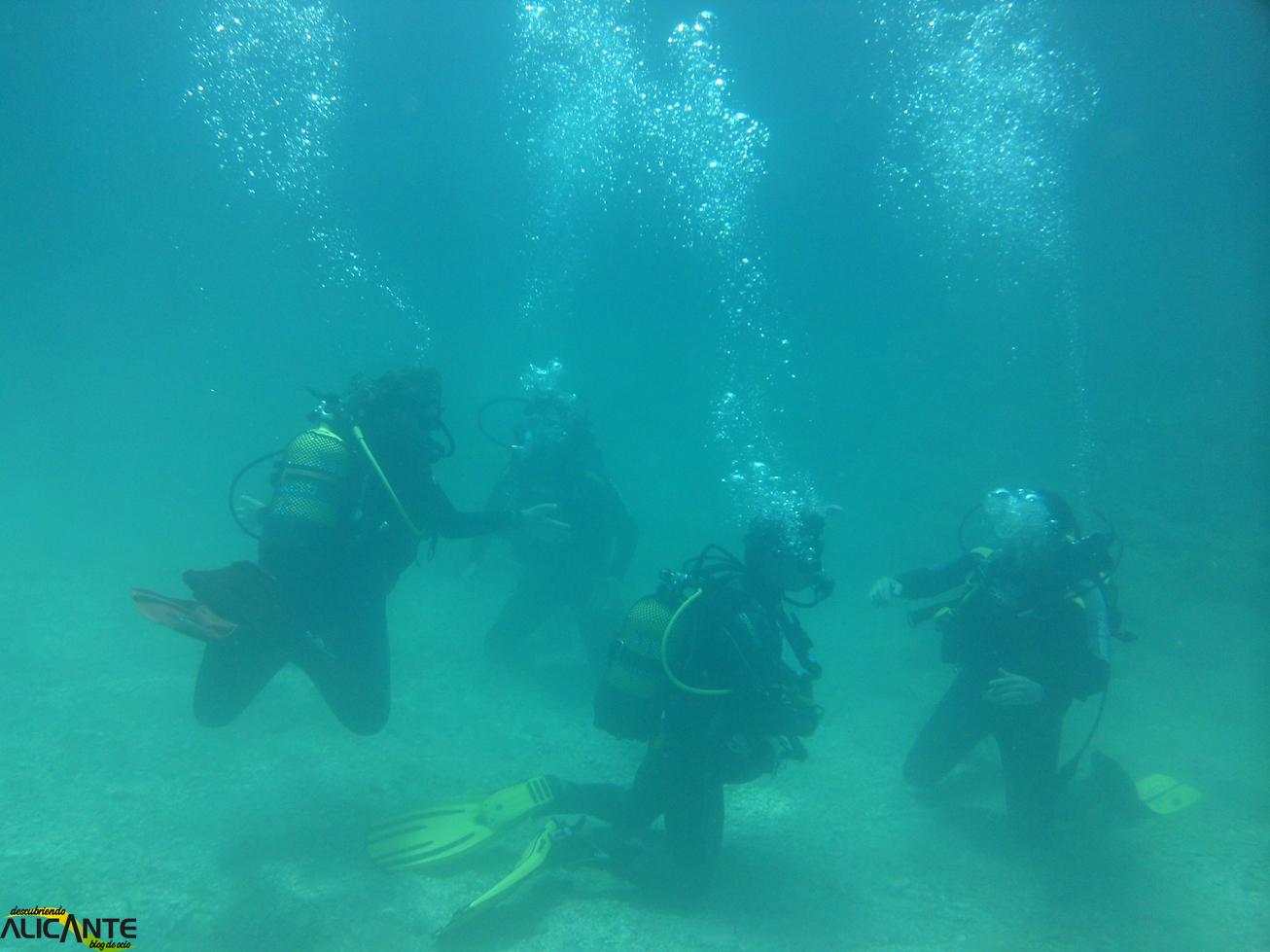 Submarinistas en Cala Raco