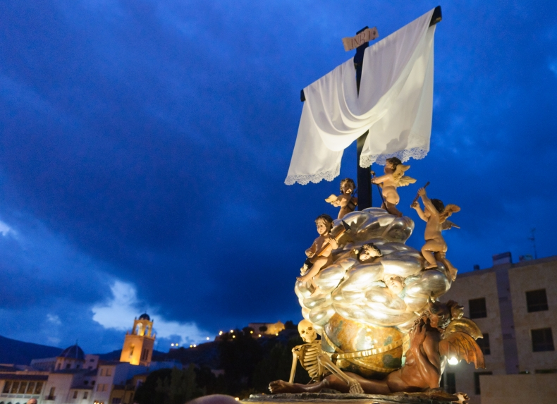 procesion-triunfo-de-la-cruz-diablesa-semana-santa-orihuela